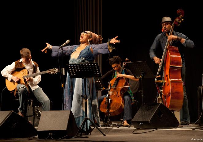 Dee Alexander's Evolution Ensemble: Jimi Hendrix Tribute