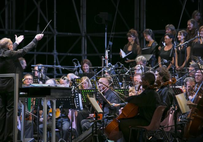 TEN: 2002 / 2012 Dieci anni di concerti del Maestro Morricone